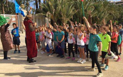 Visita de los alumnos de 3º primaria por el centro histórico de Elche / Visita dels alumnos de 3er primaria pel centre hisótric d'Elx