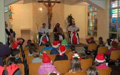 Los Pajes de sus Majestades los Reyes Magos visitan nuestro colegio